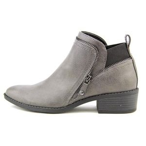 G by Guess - Rossy Booties. Gray w. Zippers. Sz 8